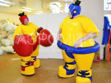 Set of SUMO suits with gloves