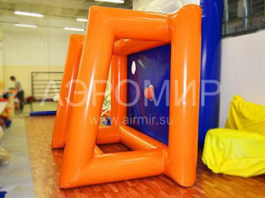 Inflatable gate side view