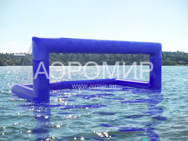 Inflatable gate with a net