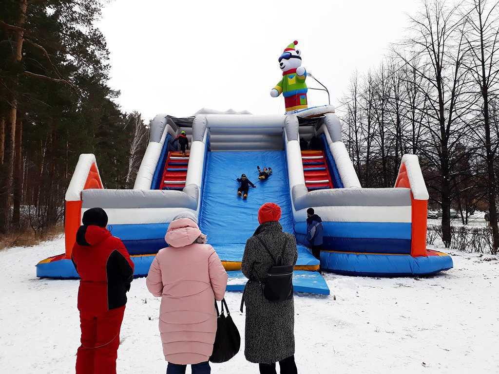 Big inflatable winter slide in Snezhinsk