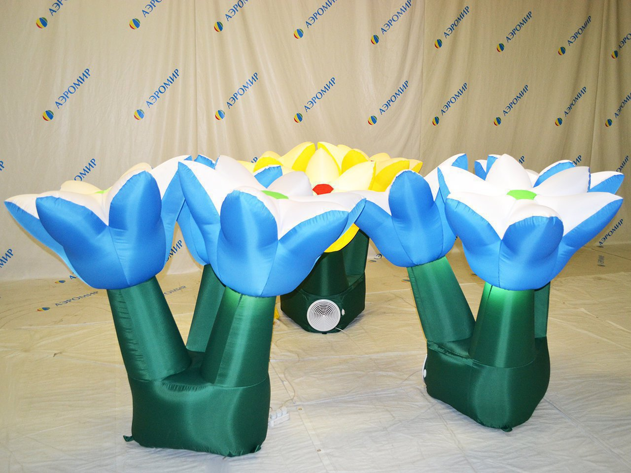 Large inflatable flower bouquet