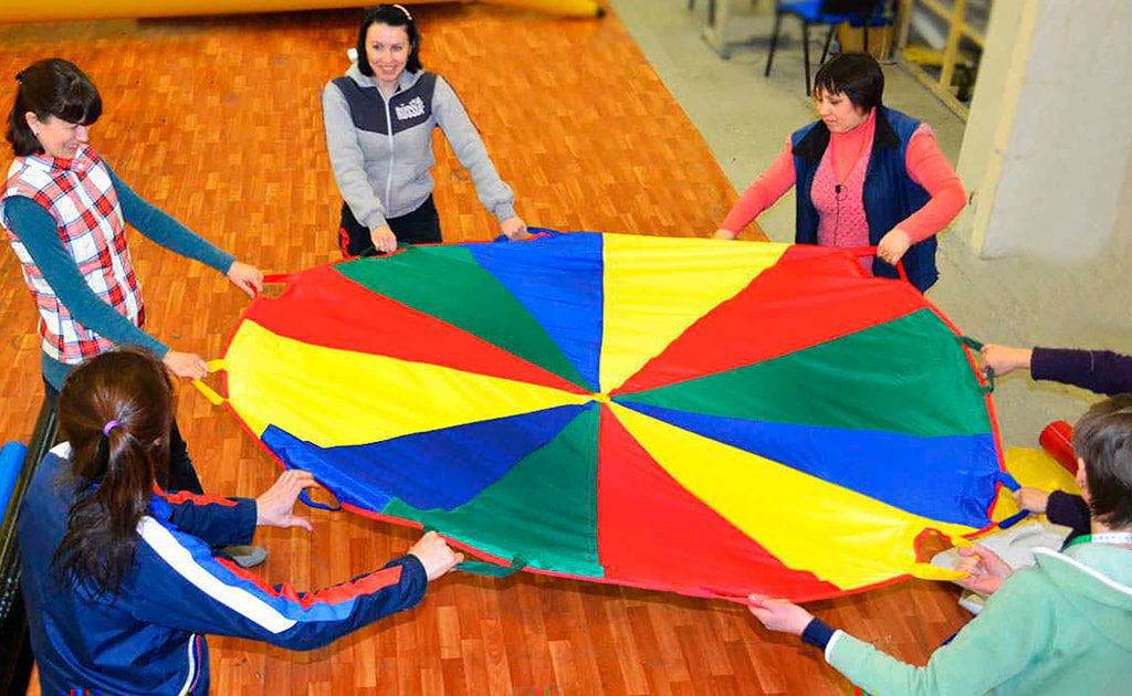 "Team attraction ""Parachute""."